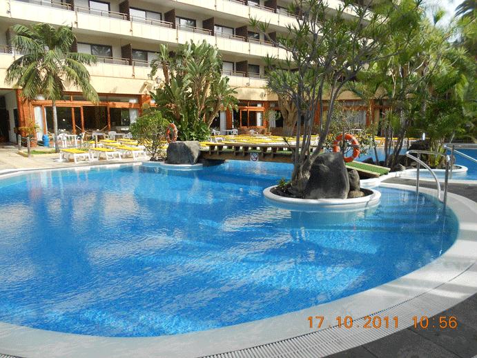 Construcci n piscinas mediterraneo for Piscinas particulares